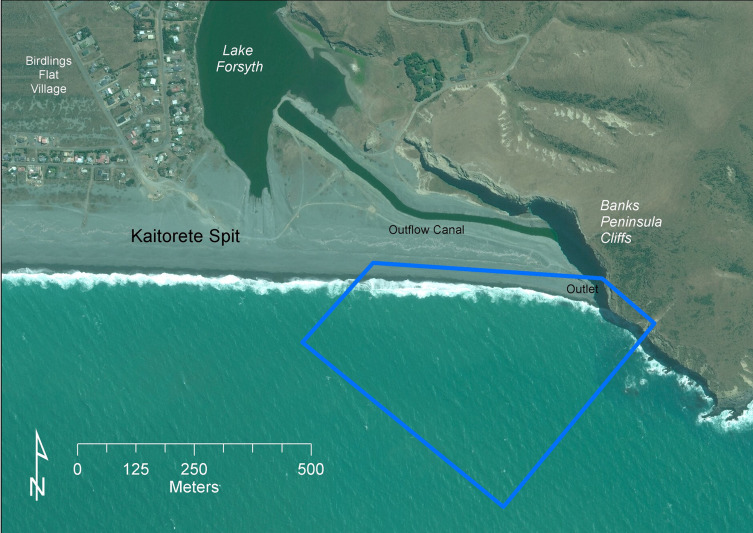 Physical modelling of a high energy coastal lake outflow