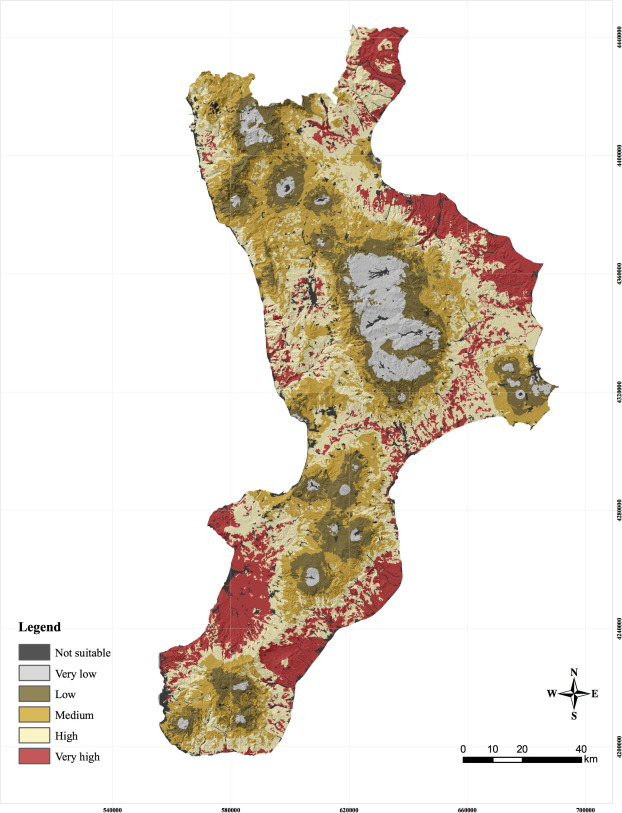 A novel GIS-based approach to assess beekeeping suitability of