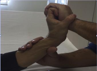 dolor en la muñeca izquierda sin lesiones