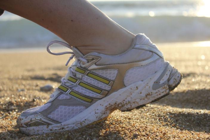 Pie y zapatillas del corredor a pie - ScienceDirect