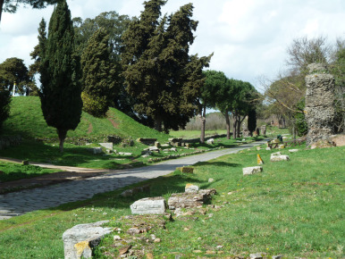 A 3d Spatial Data Infrastructure For Mapping The Via Appia