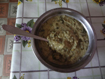 Kǝrchik, porridge with bread wheat grains and nanjujǝk (Polygonum arenastrum). ...