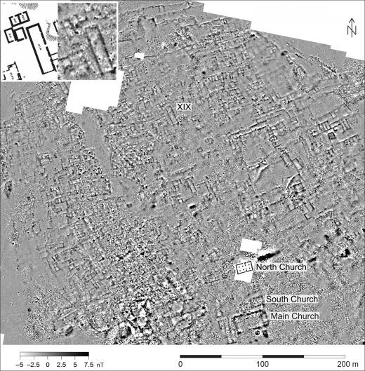 Efficiency of the magnetic method in surveying desert sites